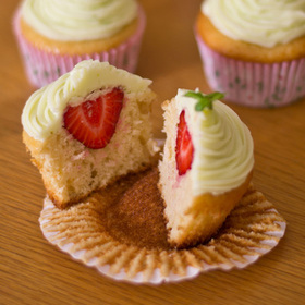 Cupcakes fraise-lime - Camille Brunelle